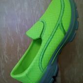 Яркие лёгкие кроссовки. 40р=25см