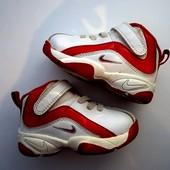 Кожаные кроссовки Nike оригинал! Размер 21, стелька 12 см