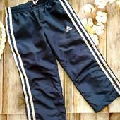 Adidas оригинал. спортивные штаны с розовыми лампасами, на 3-4 года.