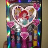 Набір дзеркальце з підсвіткою і 4 помади Townley girl 4 pack lip balm with light up mirror