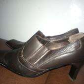 !!!На большую широкую ножку! Кожаные итальянские туфли на устойчивом каблуке. Размер 40-41