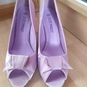 Нарядные туфли, новые