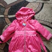 Стильное и современное пальто для девочки с капюшоном 110