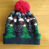 """Яркая шапка """"Новогодняя"""" Clockhouse от C&A (Германия), размер примерно 122-146"""