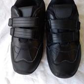 Новые кроссовки 37 р., кожа, чёрные