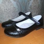 Туфли школьные для девочки 32. Состояние очень хорошее.