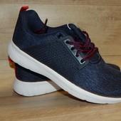 женские стильные легкие кроссовки от Crivit.