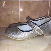 Нарядні блискучі туфлі, довжина устілки 20,5 см