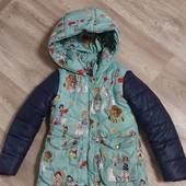 Куртка тёплая на 4-6 лет!