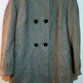 Полушрстяное пальто. 20 размер. отличное состояние, собирай лоты