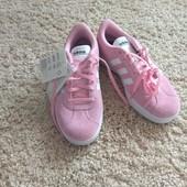 Кроссовки,розовые,лёгкие,удобные,36 размер,длина стельки 24см.