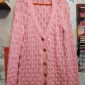 Кофта розового цвета из нат.шерсти на женщину M/L,см.замеры