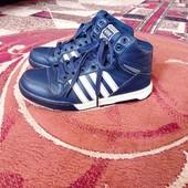 Теплі кросівки
