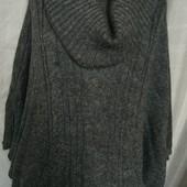 Свитер -пончо с карманами