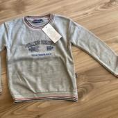 Тёпленький мягкий свитерок отличного качества на 110 см